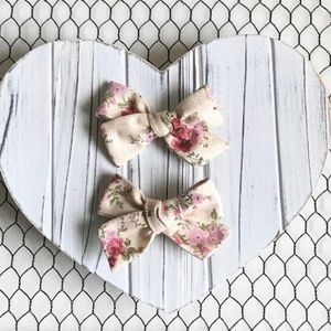 Other - Vintage Floral Pigtail Hair Bow Set